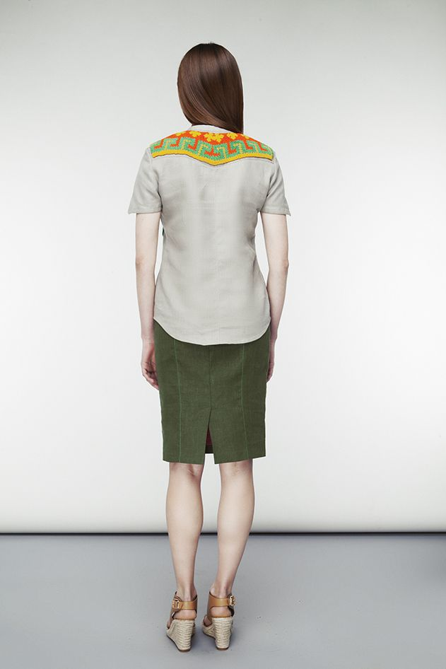 Blouse with tapestry